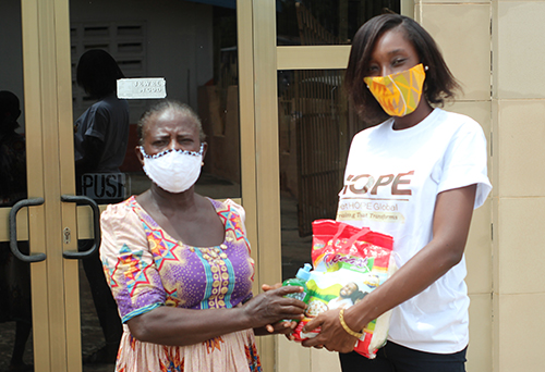 Ghana, Two women